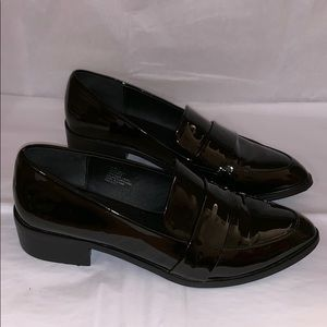EUC Nine West Faux Patent Leather Loafers